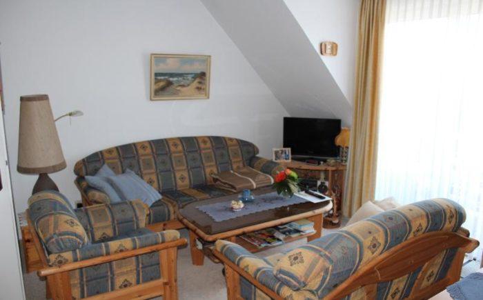 1. OG: Wohnzimmer mit Küchenzeile
