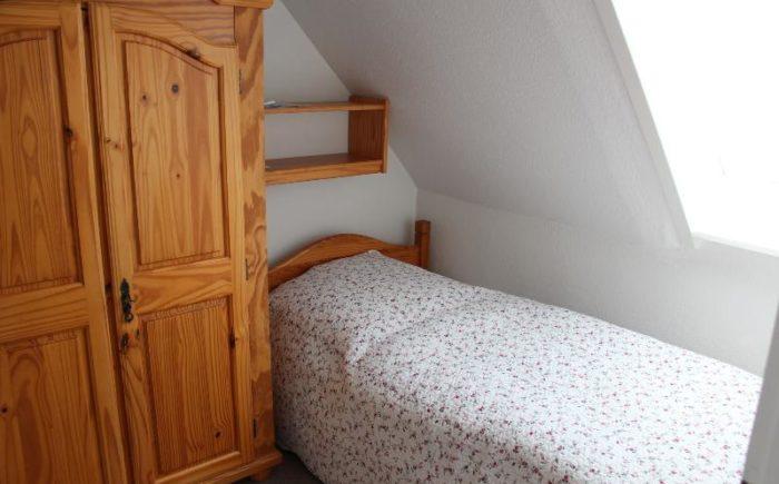 1. OG: Schlafzimmer mit 2 Einzelbetten